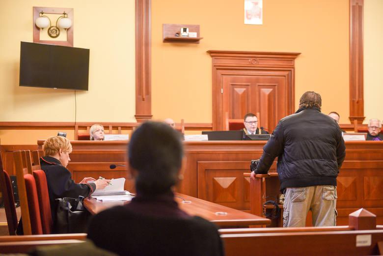"""To już koniec procesu Krzysztofa Ś. z Grudziądza, oskarżonego o zabójstwo żony na oczach wnuczka. Dziś (13.01) zeznania złożyli ostatni świadkowie. """"To"""