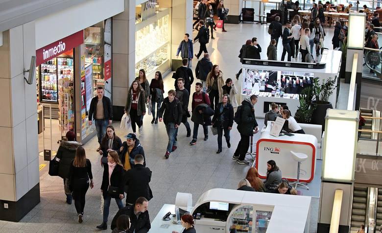 Niedziele handlowe 2019: czy 17 listopada przypada niedziela handlowa? Gdzie zrobimy jutro zakupy? Pełna lista sklepów [16.11]