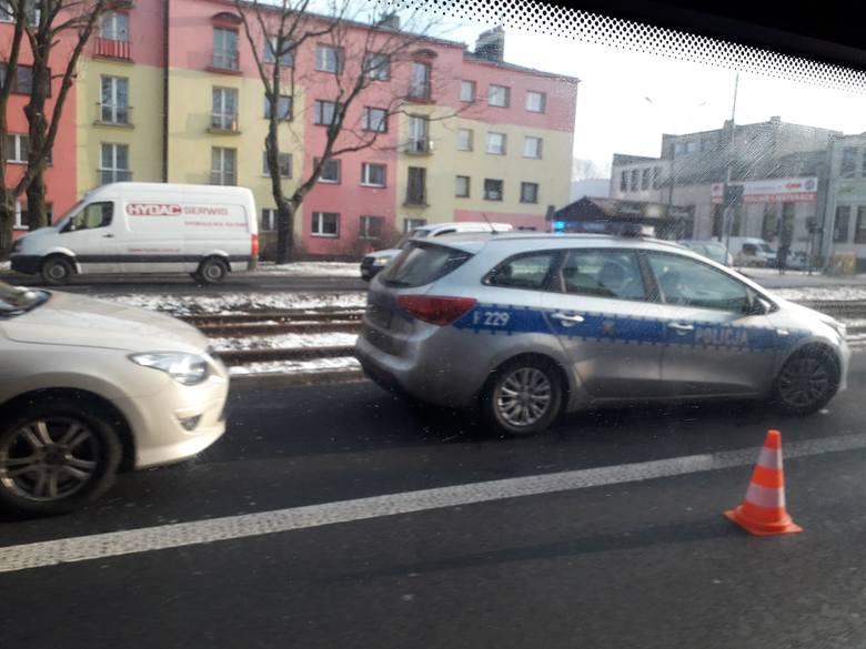 Dąbrowa Górnicza: Kierowca zasłabł i zmarł w samochodzie na Królowej Jadwigi