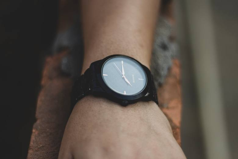 Zmiana czasu z letniego na zimowy. Kiedy będzie? Czy to ostatni raz, kiedy przestawiamy zegarki?