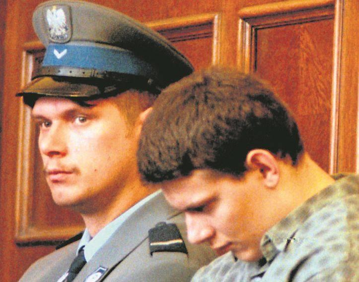 Polowanie na taksówkarzyDwadzieścia lat temu niezliczone tłumy uczestniczyły w pogrzebach taksówkarzy, zamordowanych w październiku 1998 roku przez Piotra