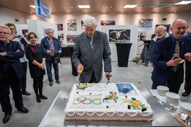 W poniedziałek (21 października) w Galerii Sportu Bydgoskiego odbyła się wyjątkowa uroczystość - obchody 90. urodzin Alfonsa Niklasa, lekkoatlety, olimpijczyka