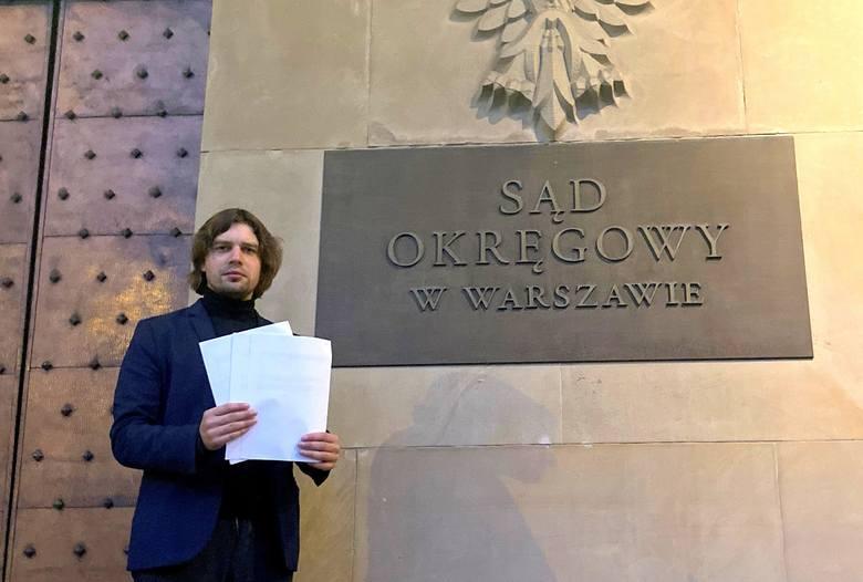 Pozwy przeciwko telewizji oraz Patrykowi Jakiemu zostały skierowane do sądu w Warszawie. Pozew przeciwko szefowi TVP3 Opole - do sądu w Opolu.