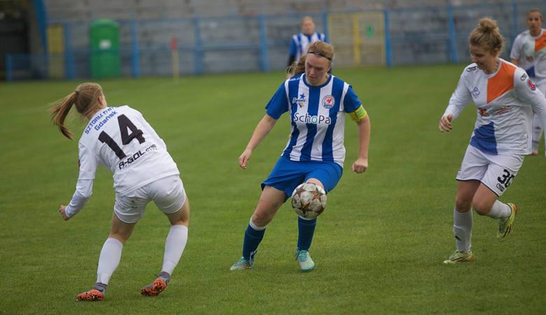 Piłkarki Błękitnych powstrzymały zawodniczki Sztormu Gdańsk.