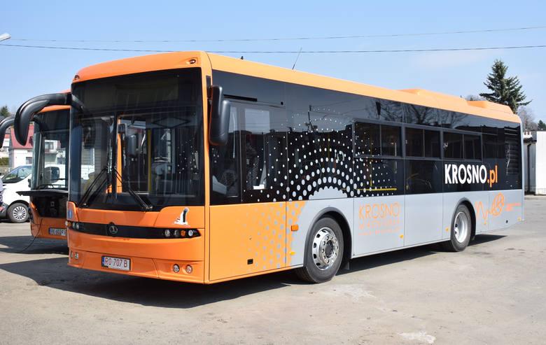 Osiem nowoczesnych autobusów miejskich marki Autosan, wyposażonych w elektroniczny system informacji pasażerskiej i monitoring wizyjny, zasiliło dziś