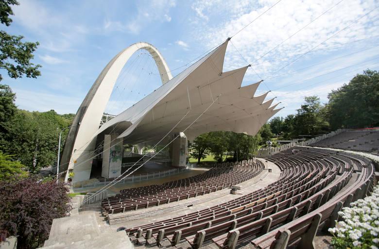 Remont Teatru Letniego w Parku Kasprowicza planowo powinien się zakończyć w 2017 roku.