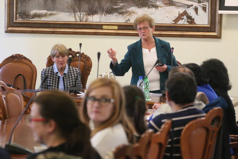 Wykład wygłosiła prof. dr hab. Irena Adamek z Wyższej Szkoły Techniczno-Humanistycznej w Bielsku-Białej. - Dajmy dzieciom więcej samodzielności - apelowała