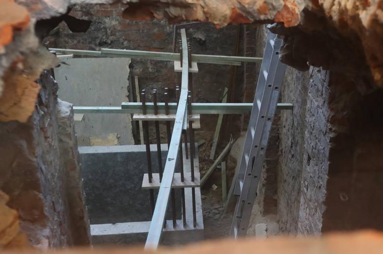 Podczas remontu katedry odkryto krypty ze szczątkami dawnych szczecinian. Do końca maja można tam zajrzeć