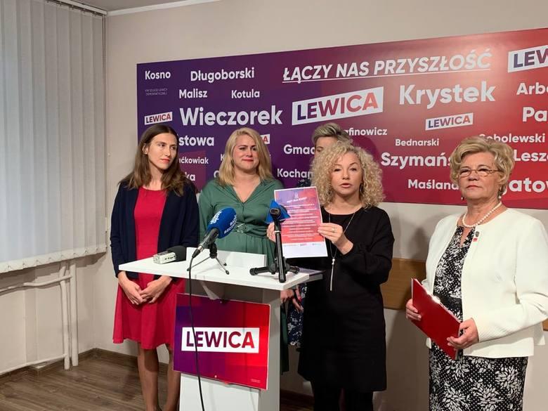 Katarzyna Kotula (trzecia z lewej) - LewicaPochodzi z Gryfina. Ma 42 lata. Z wykształcenia jest filologiem angielskim. Ukończyła Uniwersytet Adama Mickiewicza
