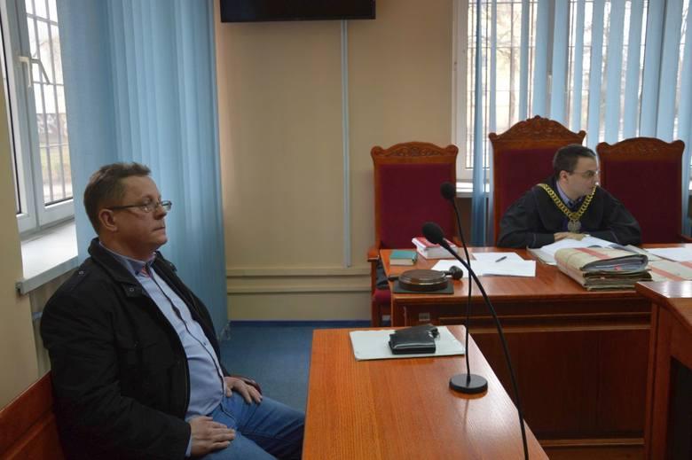 Marcin Pocheć, obecny prezes firmy, jest oskarżycielem posiłowym. Od byłego prezesa domaga się ponad 8 tysięcy złotych.