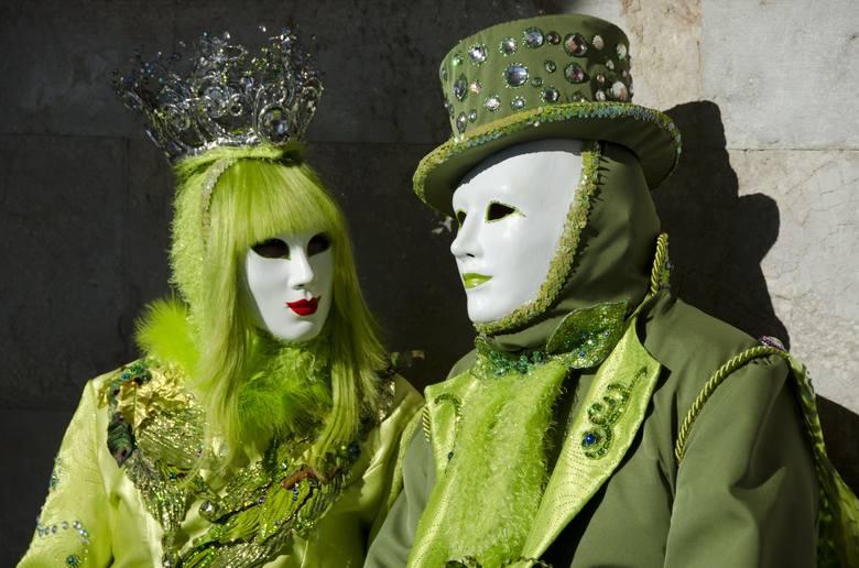 Wenecja, WłochyKarnawał w Wenecji kojarzy się nieodłącznie z bogato zdobionymi maskami i efektownymi, eleganckimi strojami. Jest też równocześnie jednym