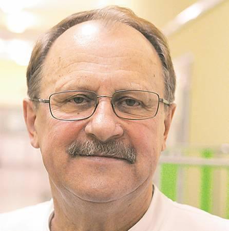 Dr n. med. Jan Nowak jest specjalistą chirurgii dziecięcej. Od 27 lat kieruje oddziałem chirurgii dziecięcej, chirurgii noworodka i traumatologii w Szpitalu