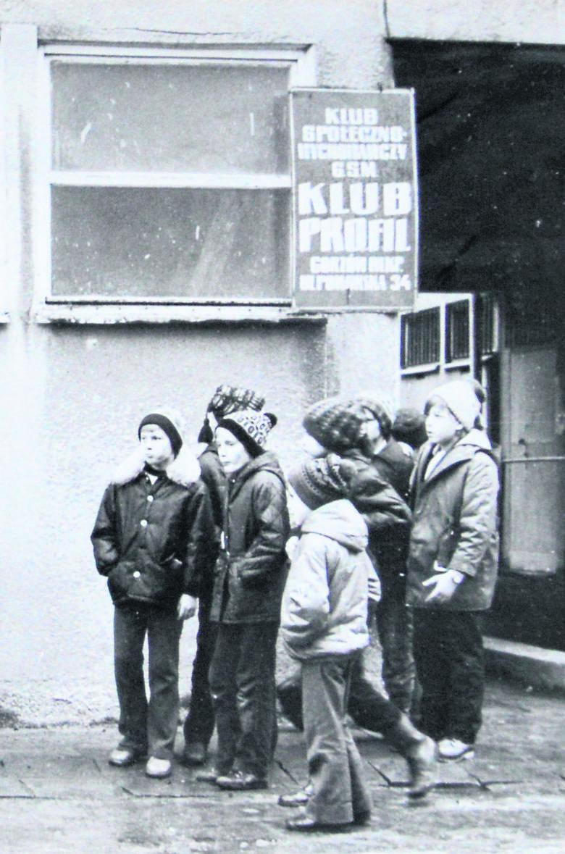 Osiedlowy klub często organizował wycieczki.