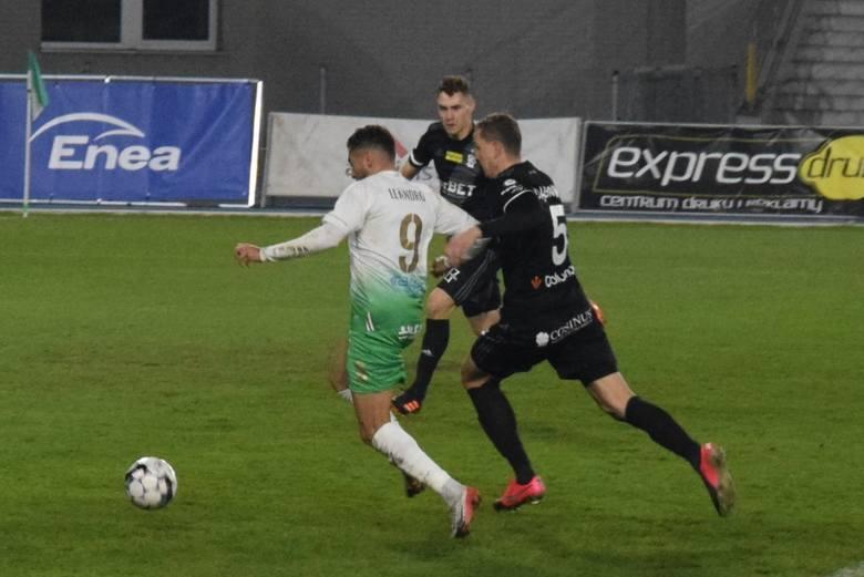 W zaległym meczu 10 kolejki Fortuna 1 Liga, Radomiak Radom pokonał 1:0 ŁKS Łódź.[b]Radomiak Radom - ŁKS Łódź 1:0 (0:0)/b]Bramka: 1:0 Leandro Rossi 86