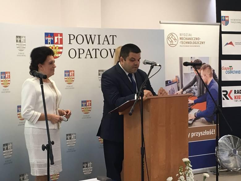 W środę, 15 maja w Zespole Szkół imienia Marii Skłodowskiej-Curie w Ożarowie odbyła się ważna konferencja dotycząca szkolnictwa zawodowego. Na konferencji