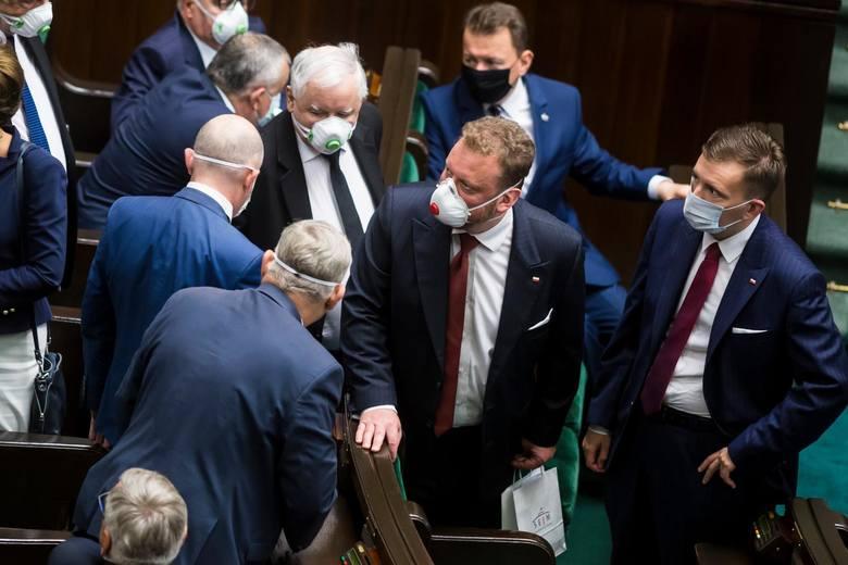 W środę w Sejmie posłowie zajmą się przepisami o zwolnieniu z odpowiedzialności karnej polityków, za decyzje podejmowane w czasie walki z koronawiru