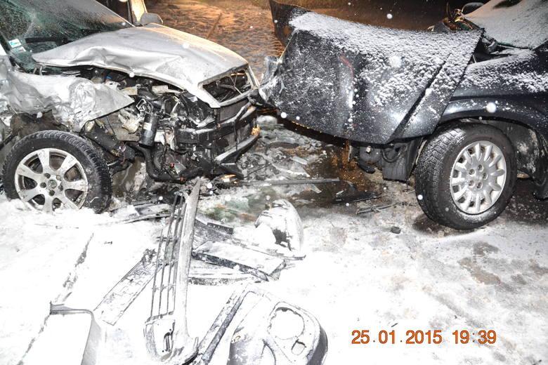 Groźny wypadek w Jabłonce. Obywatelka Słowacji trafiła do szpitala [ZDJĘCIA]
