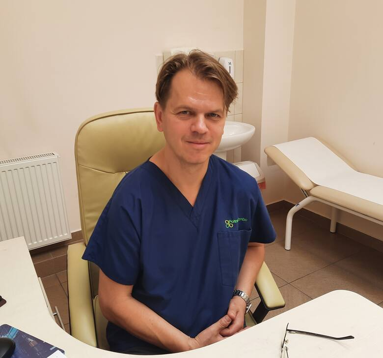 Dr Marcin Januszkiewicz, specjalista chirurgii onkologicznej i ogólnej Wojewódzkiego Szpitala Zespolonego w Białymstoku.