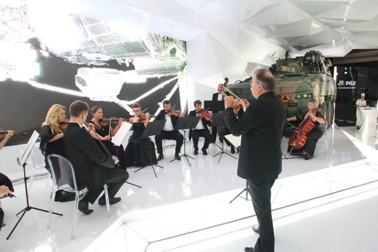 Inauguracja działalności Polskiej Grupy Zbrojeniowej odbyła się z towarzyszeniem orkiestry kameralnej.