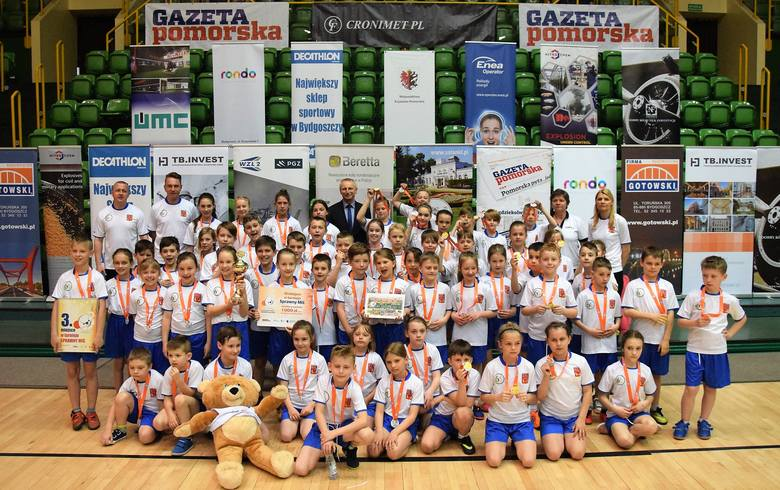 W inowrocławskiej hali widowiskowo-sportowej odbył się wojewódzki finał Sprawnego Misia, sportowych zawodów dla uczniów szkół podstawowych z klas od