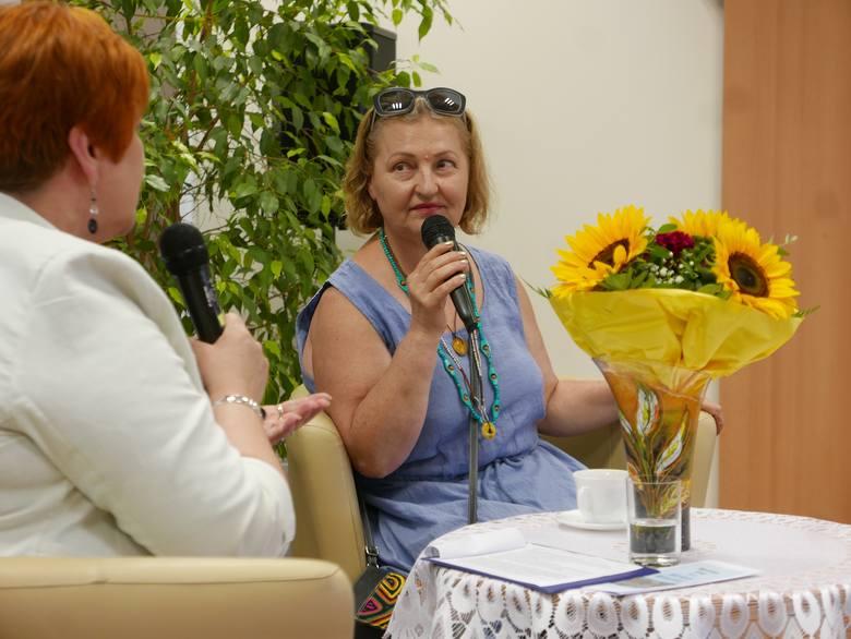 W Bibliotece Publicznej Miasta i Gminy w Barcinie otwarto wystawę Adriany Wituckiej. Artystka mieszka w sąsiedniej gminie Łabiszyn. Zajmuje się: malarstwem,