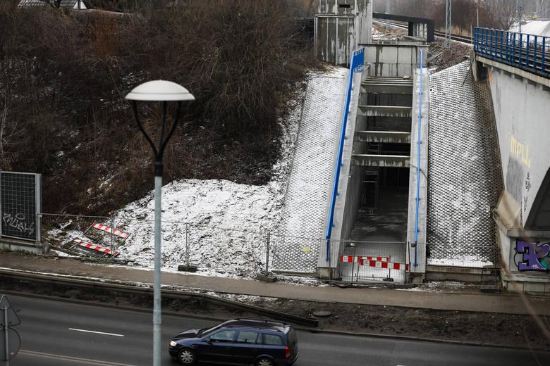 Kraków. Przeciągają się prace budowlane przy przystanku Bronowice [ZDJĘCIA]