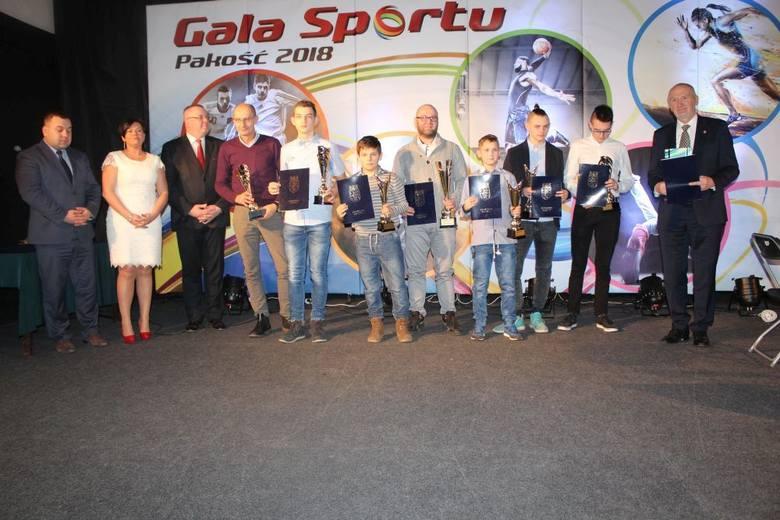 Już po raz trzeci najlepsi sportowcy z gminy Pakość spotkali się na uroczystej Gali Sportu, podczas której wręczone zostały puchary i dyplomy za osiągnięcia