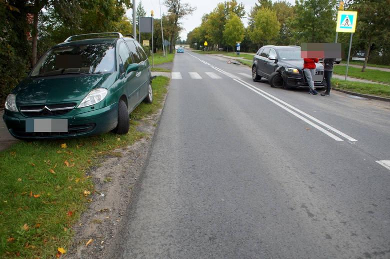 W niedzielę (29 września) doszło do wypadku na ul. Kaszubskiej w Słupsku. Kierowca citroena zatrzymał się przed przejściem dla pieszych, a jadące za