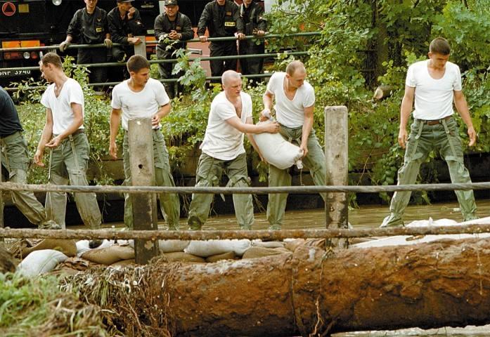 Gdańsk 13 lat po powodzi. Zdjęcia archiwalne zestawione z aktualnymi