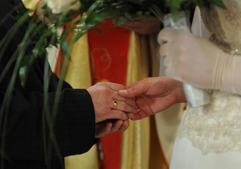 """Stwierdzenie nieważności małżeństwa, które potocznie określane jest mianem """"rozwodu kościelnego"""" jest przewidziane w przepisach prawa"""