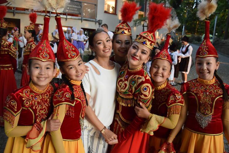 Gorzów był w piątek stolicą świata. W gorzowskim amfiteatrze odbył się koncert galowy XXV Międzynarodowego Festiwalu Tańca Folk Przystań