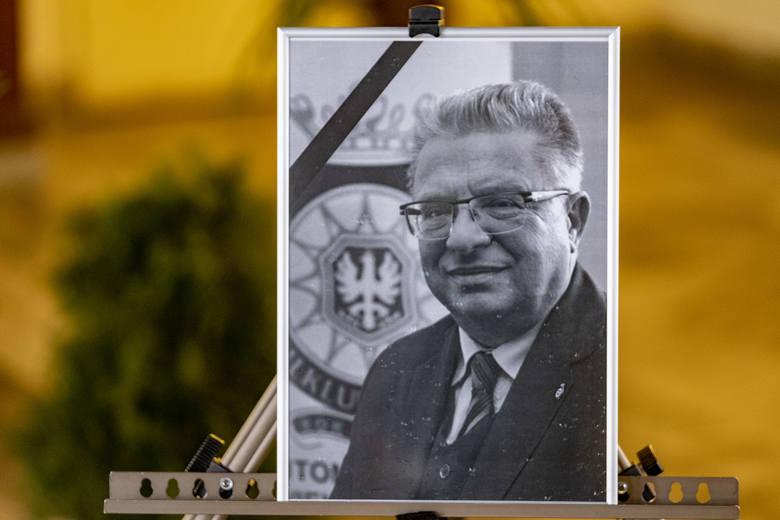Tłumy poznaniaków żegnały Roberta Werle, byłego prezesa Automobiklubu Wielkopolski.