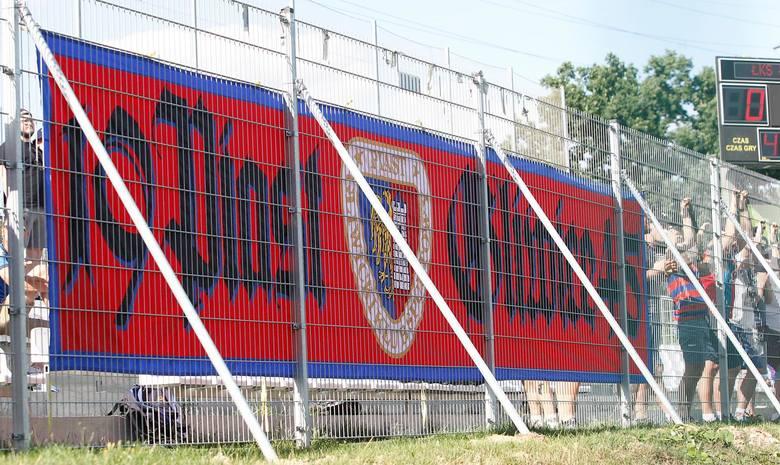 Piast pokonał na wyjeździe ŁKS Łódź 1:0, a mecz z trybun śledziła liczna grupa kibiców z Gliwic. Zobacz galerię zdjęć z wyjazdu!
