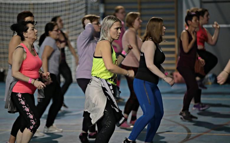 8. Kluby fitness, kręgielnie i inne obiekty sportowe oraz rekreacyjne. Niektórym Polakom, zwłaszcza starszej daty, korzystanie z usług tej branży może