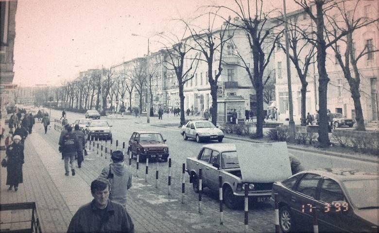 Tak wiosną 1999 roku wyglądało skrzyżowanie al. Wojska Polskiego z ul. Mickiewicza