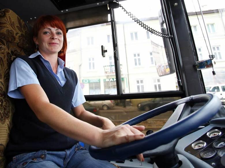 Dorota Rzepka z rzeszowskiego MPK: -Nie jestem jakąś zagorzałą obrończynią kobiet jeżdżących samochodami. Dobrym kierowcą można być i w spodniach i w