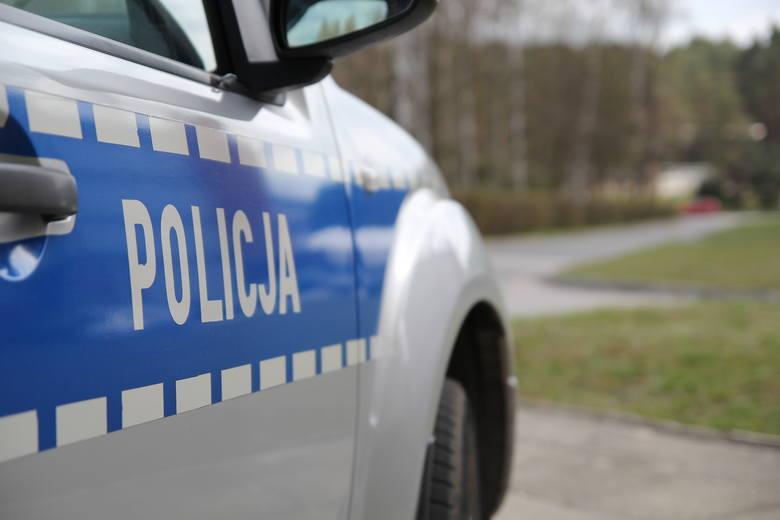 Policjanci ze Zwolenia zatrzymali pijanego kierującego traktorem. Mężczyzna miał też dożywotni zakaz prowadzenia pojazdów