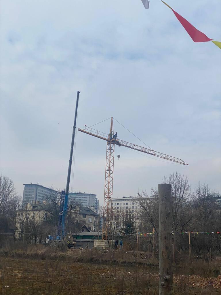 Dźwig w rejonie szpitala Narutowicza