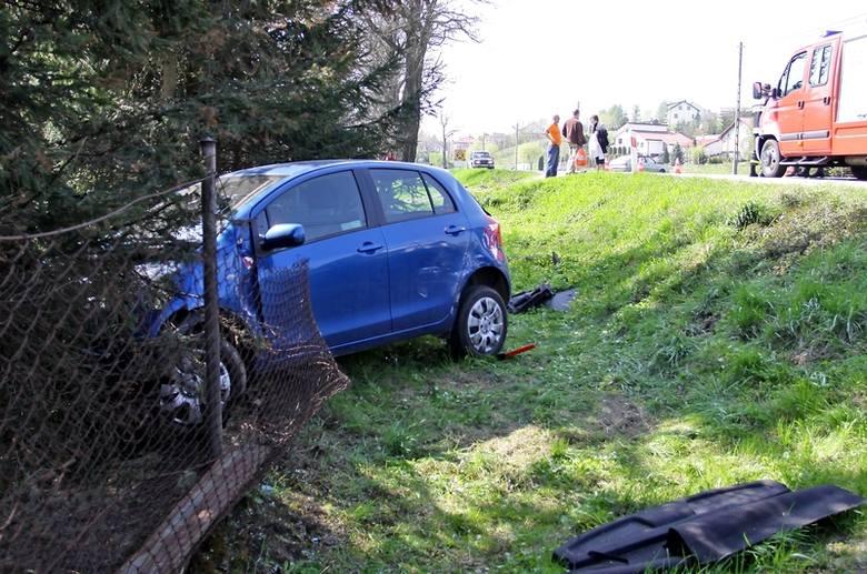 W Przysiekach k. Jasła zderzyły się dwa samochody. Kobieta trafiła do szpitala