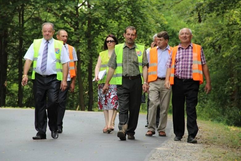 Odbiór końcowy przebudowanego odcinka drogi powiatowej Bieliny – Nowa Wieś.