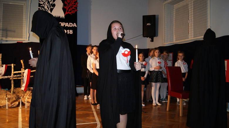 Akademia z okazji stulecia odzyskania niepodległości w Szkole Podstawowej nr 1 w Skierniewicach