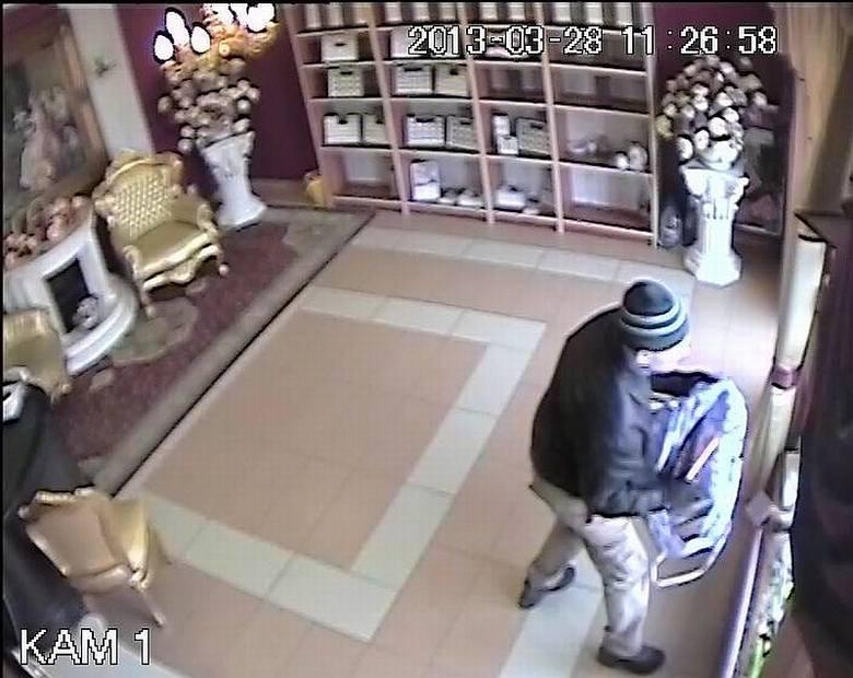 Napad na jubilera. Policja zatrzymała podejrzewanego, gdy odwiedził komendę (zdjęcia, wideo)