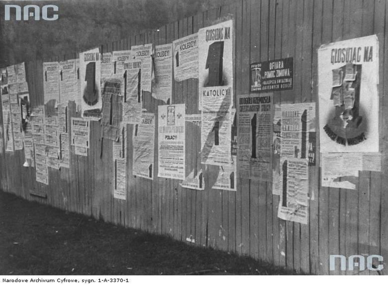 Wybory do Rady Miejskiej w Warszawie w 1938 roku. Plakaty propagandowe na warszawskich ulicach.