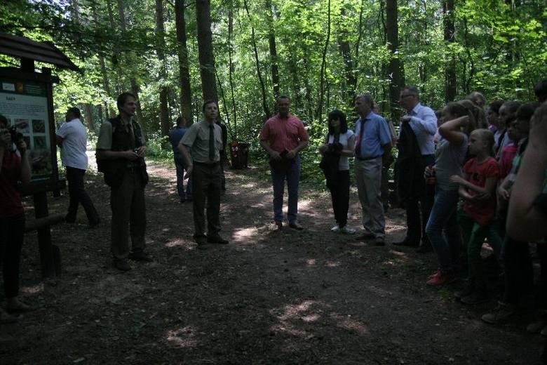 Ścieżka ma być szlakiem przyrodniczo - edukacyjnym składającym się z dwóch części. Pierwsza część ma długość  ok. 2,9 kilometrów. Ścieżkę urozmaica dwanaście