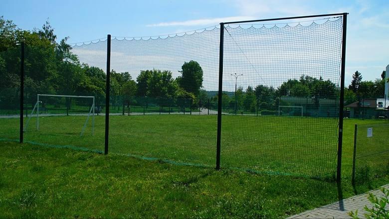 czy gdzie pograć w piłkę nożną