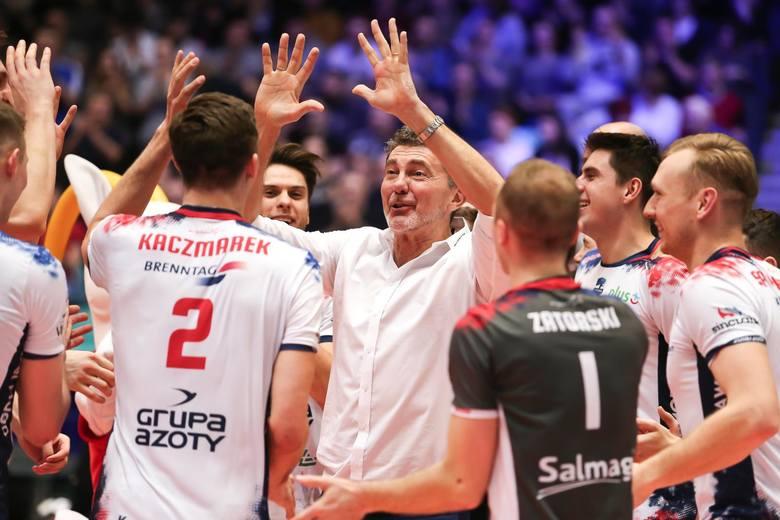 ZAKSA zdobyła swój dziewiąty Puchar Polski. Licząc te rozgrywki i ligę, w tym sezonie wygrała 17 meczów i ani jednego nie przegrała.