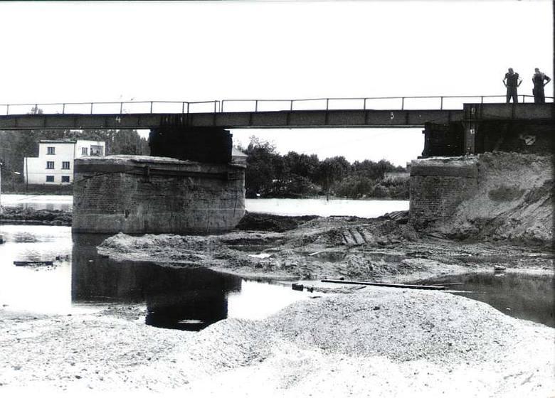Powódź 1997 w Opolu. Wiadukt PKP.