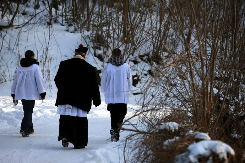 KOLĘDA 2020. W zielonogórskich parafiach rozpoczynają się kolędy. Zobacz, kiedy z wizytą duszpasterską przyjdzie do Ciebie ksiądz. Zajrzyj do naszej