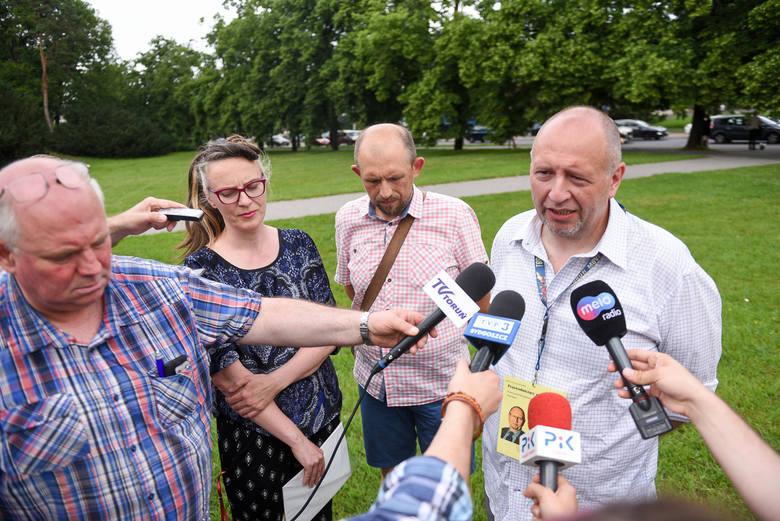Urząd Miasta zlecił kolejną analizę. Okazało się, że 11 przeznaczonych do likwidacji drzew można uratować