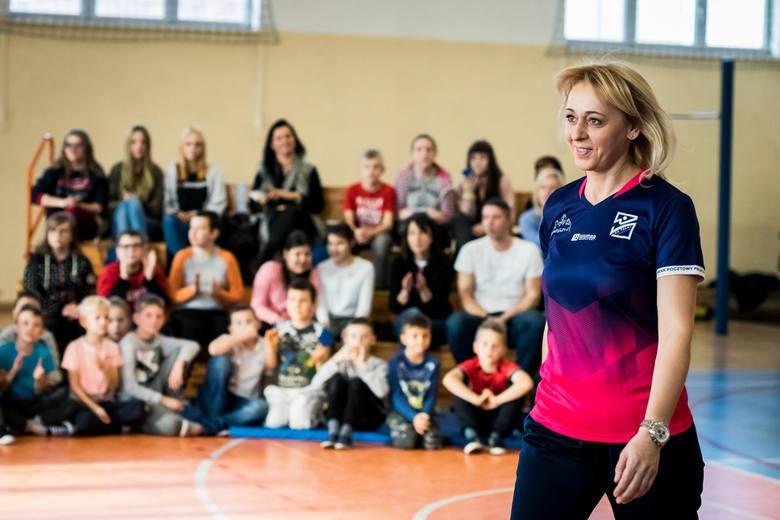 Byłe siatkarki Ewa Kowalkowska i Izabela Bełcik, wioślarz Wojciech Gutorski oraz trenerka fitness Natalia Gacka-Dressler spotkali się z uczniami ze szkół